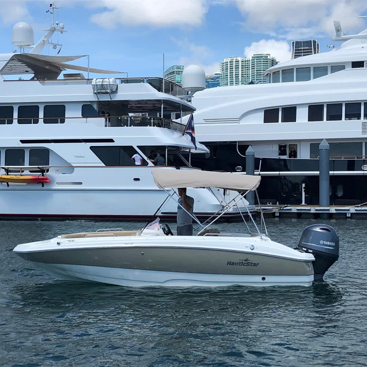 Here to Help You Rent a Boat in Miami | Miami Rent Boat